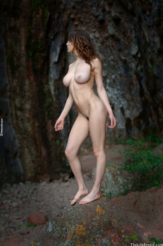 Esmeralda Grotto - The Life Erotic Nude Pictures - 07: www.babesandgirls.com/esmeralda-grotto/esmeralda-grotto-07.html