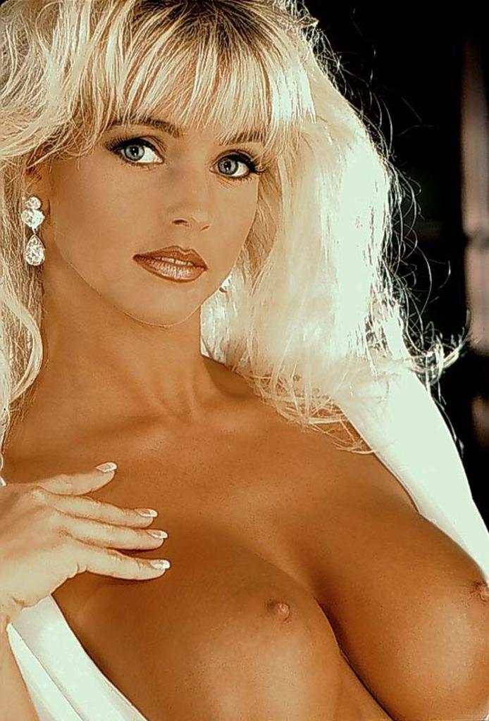 elizabeth-hilden-milf-katy-perry-hot-nude-pussy
